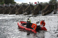 Safety Boat Hire In London